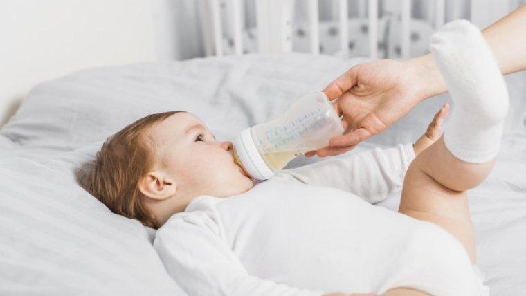 Bayi Sering Muntah Setelah Menyusu? Cari Tahu Dulu Apa Penyebabnya