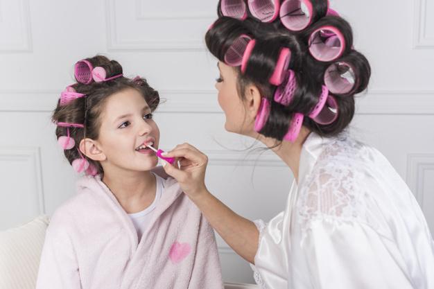 Penggunaan Make Up pada Anak, Amankah?