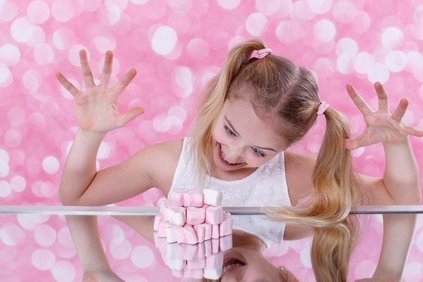 Banyak Mitos Tentang Sugar Rush Pada Anak, Yuk Kenali Faktanya Moms!