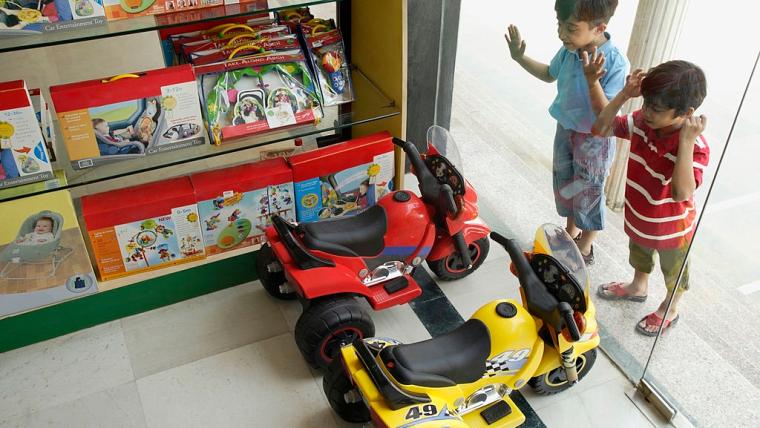 Jenis dan Harga Motor Mainan Anak untuk Hadiah Si Kecil
