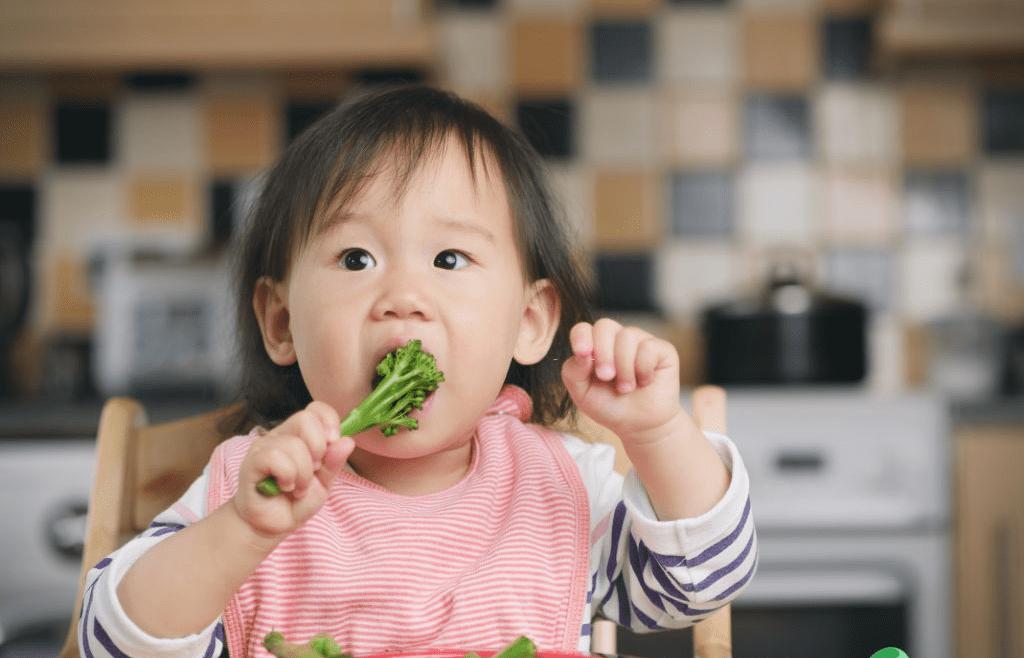 Buat Si Kecil Nafsu Makan dengan Menu MPASI 9 Bulan Menurut WHO