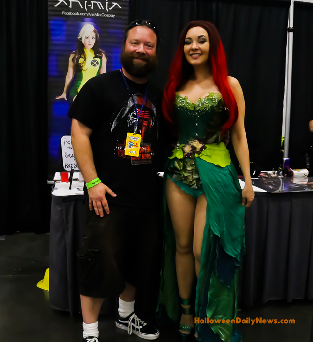 Ani Mia with HDN editor-in-chief Matt Artz at Tidewater Comicon 2016 (photo by Sue Artz for HalloweenDailyNews.com)