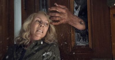 Laurie Faces Michael Again in First 'Halloween' Clip