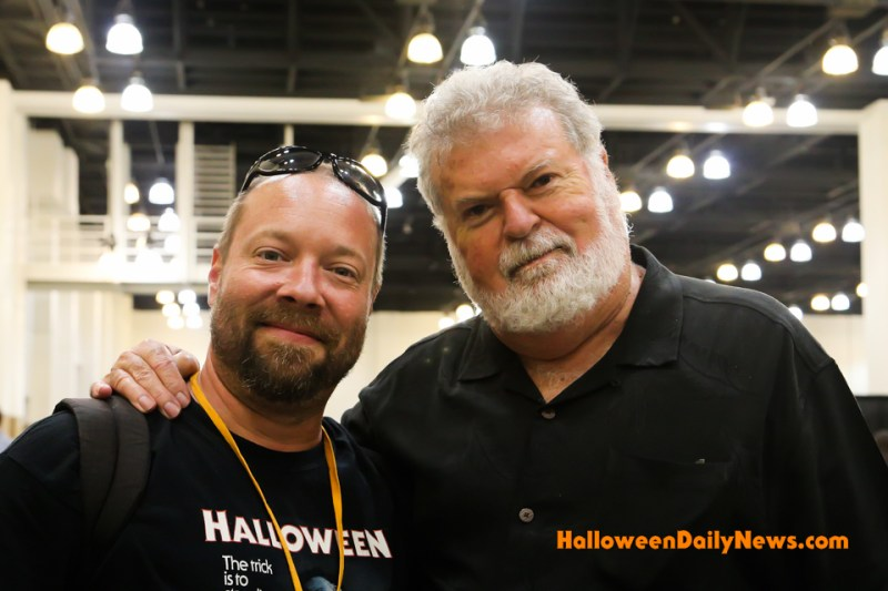 HDN's Matt Artz with Dean Cundey at H40: Forty Years of Terror. (photo by Sue Artz for Halloween Daily News)