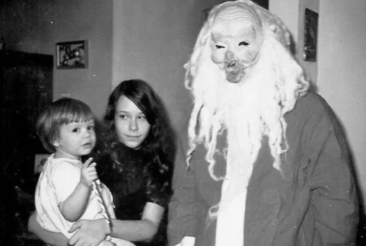 ? the 13 most Disturbing Santa Claus Photos on the Net ? 64