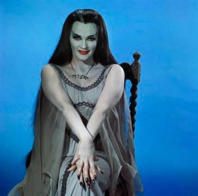 ? Amazing Color Photos of Lily Munster, Yvonne De Carlo 9