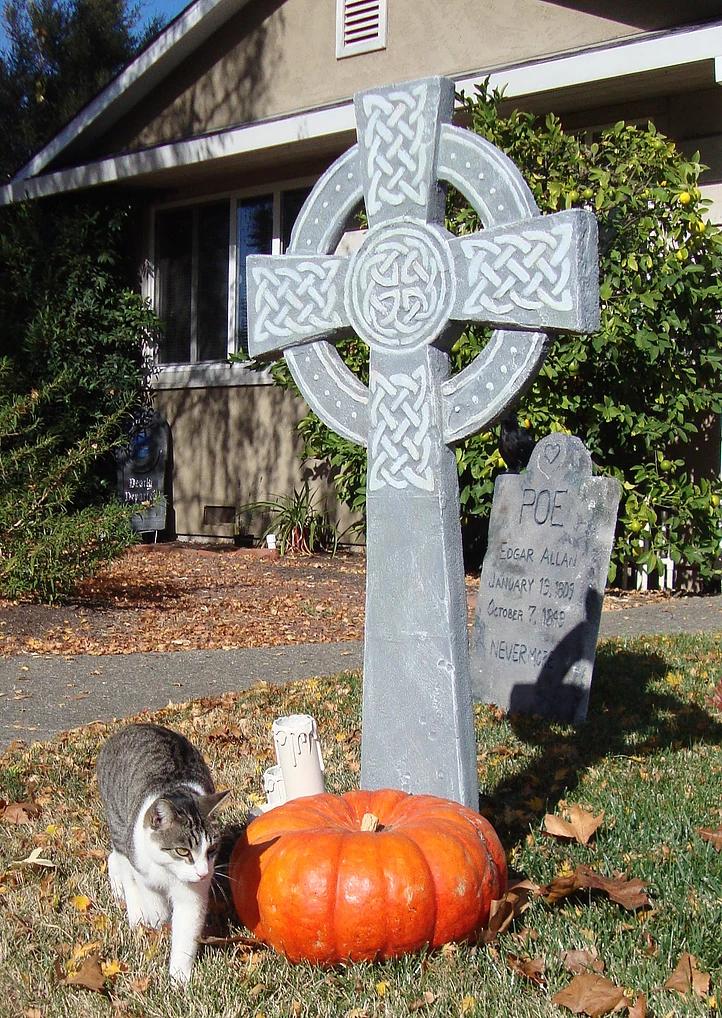 Evil Vines Cemetery Outdoor Yard Haunt Cross Tombstone