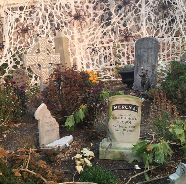 Evil Vines Cemetery Outdoor Yard Haunt Tombstones