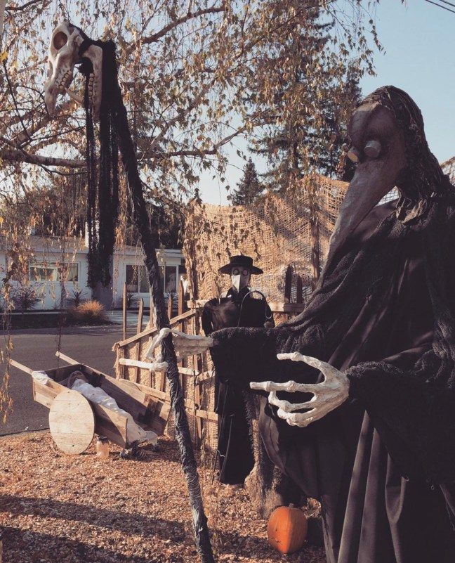 Evil Vines Cemetery Outdoor Yard Haunt Creepy Prop Scene
