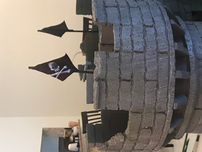 Halloween Office Castle Decoration With Pirate Skull and Crossbones Jollyroger Flag