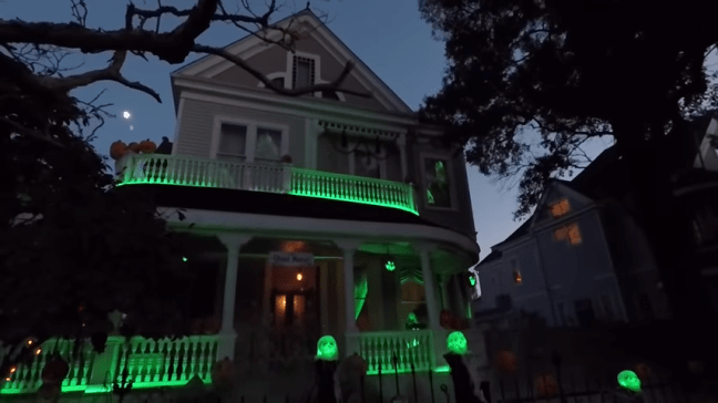 Ghost Manor Halloween Decorated House Show Green Night Lights