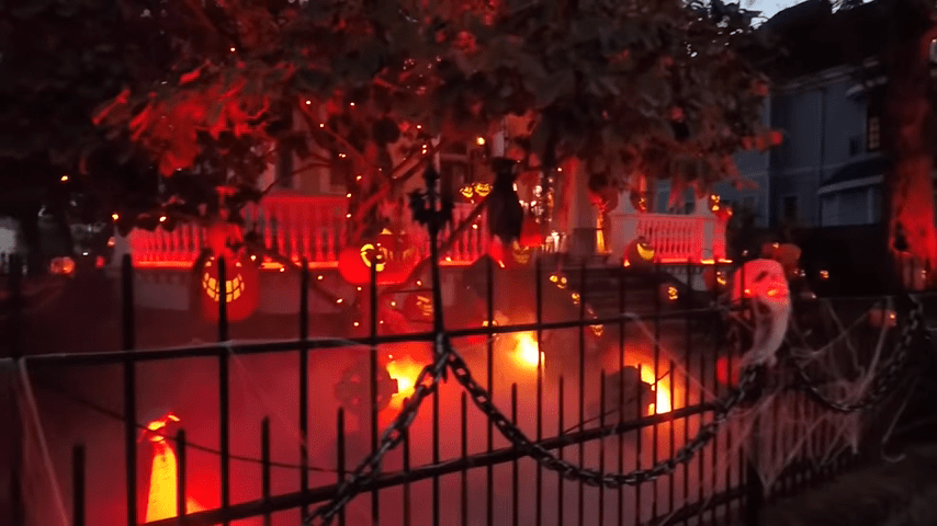 Ghost Manor Halloween Decorated House Show Comes Alive