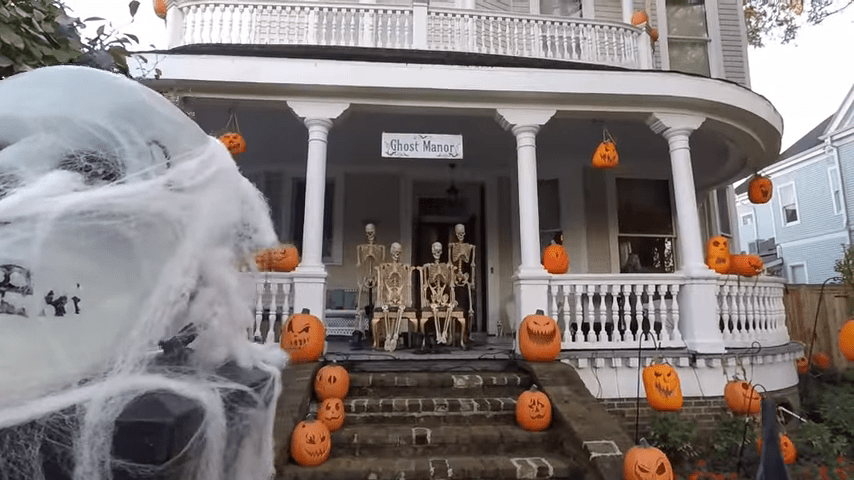 Halloween Decorated House Show Daytime