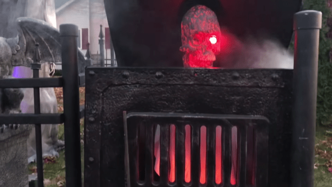 Halloween Graveyard Decoration with Animatronics Jack In The Furnace