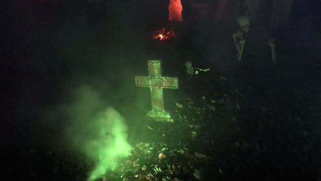 Halloween Graveyard Decoration with Animatronics Headstones