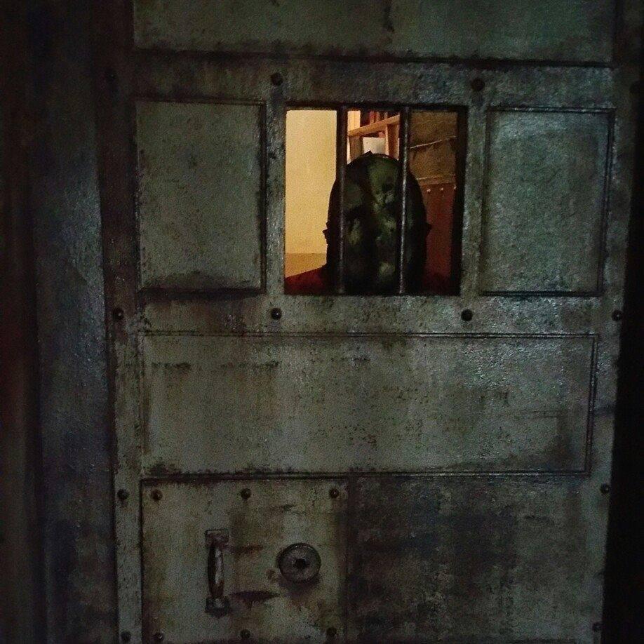 Terror On The Coast Haunted House Leatherface Behind Door