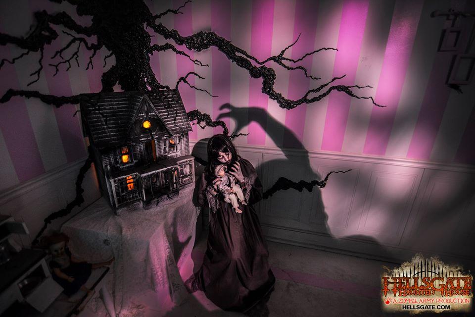 HellsGate Haunted House Childs Room Miniature Haunted House Shadow