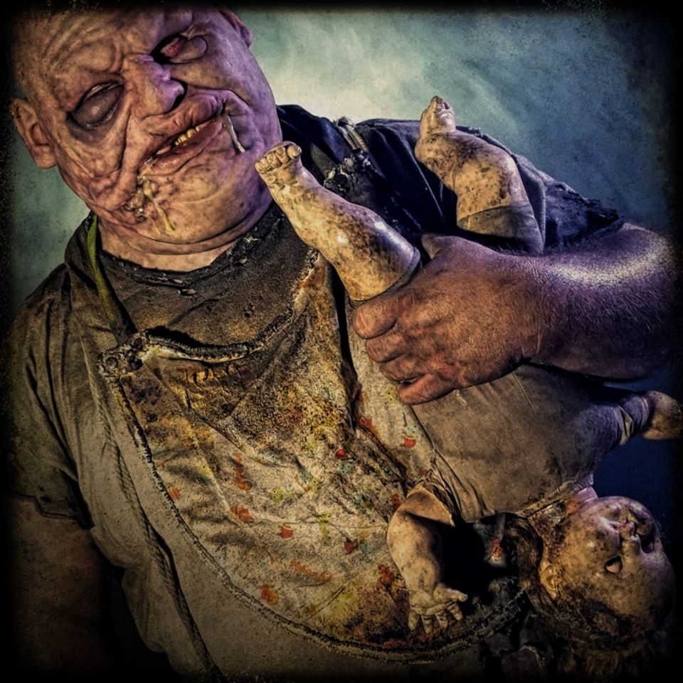 Ominous Descent Florida Scariest Haunted House Actor With Baby