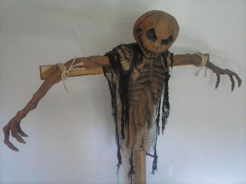 Screamation Studios Scarecrow Prop