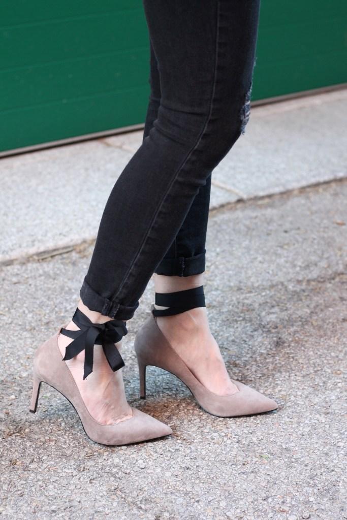banana republic bow tie heels