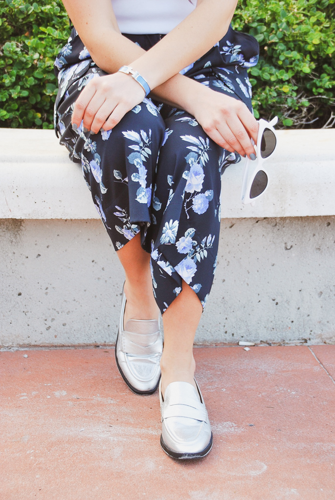 blue and white floral cropped cargo pants with silver loafers