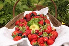 strawberries-552238__180