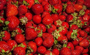 strawberries-917665__180