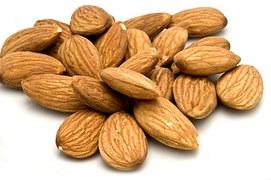 almonds-1326472__180