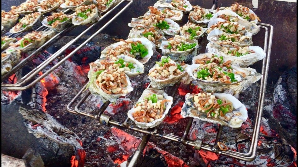 grilled oyster with onions
