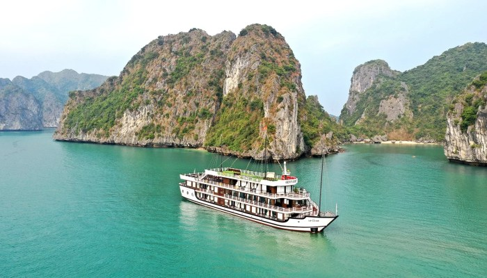 Serenity Cruises 2 day 1 night in Halong Bay and Lan Ha Bay