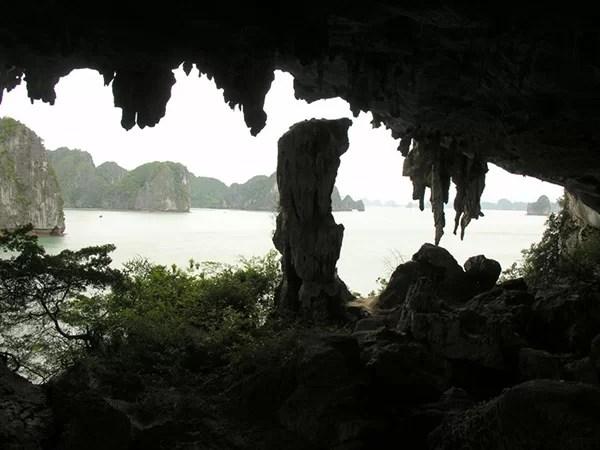 Hang Trinh Nữ
