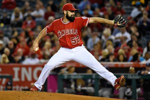 Matt Shoemaker delivers a pitch during the fourth inning of a game against the San Diego Padres at Angel Stadium on May 26, 2015 (Lisa Blumenfeld/Getty Images)