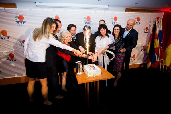 9. dxn születésnapi torta