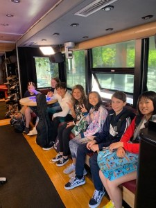 Lennon Bus 2