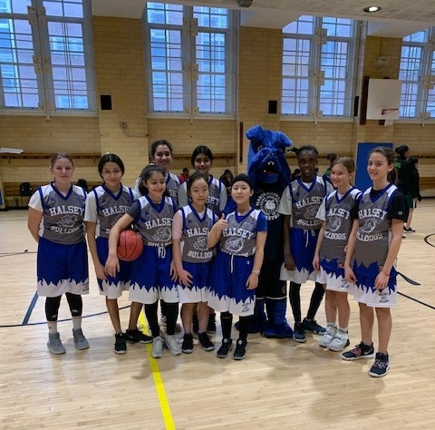 Barkley and the Girls Basketball Team