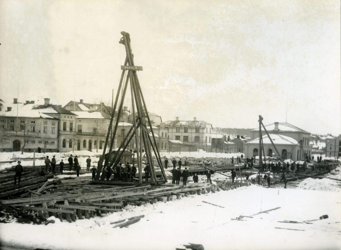 Luftkranar vid Hudiksvalls hamn