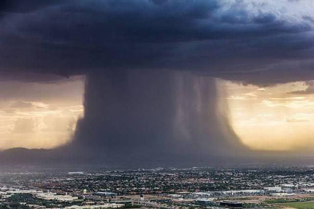 بادل کیسے پھٹتا ہے؟ جانیں کلاؤڈ برسٹ کے کیا نقصانات ہوتے ہیں اور اس نے پاکستان کے کن شہروں میں تباہی مچائی 1