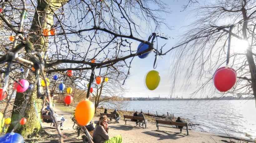 La tradition de Pâques en Allemagne ✓ L'origine de l'oeuf de Pâques ✓ Fête suprême de la chrétienté ✓ traditions païennes liées à Pâques Hamburg Translate ✓