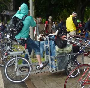 Transport von Rad und Fahrer