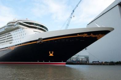 Disney Fantasy - Ausdocken bei der Meyer Werft Papenburg