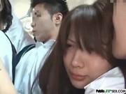 置換されてる美少女とそのまま電車内で羽目撮りせつくすする動画像無料