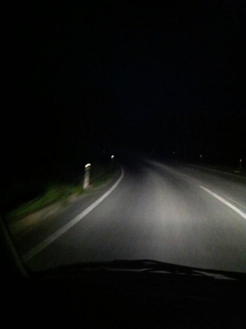 真夜中十二時近く、女川から仙台へ戻った