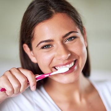 caring for teeth after veneers