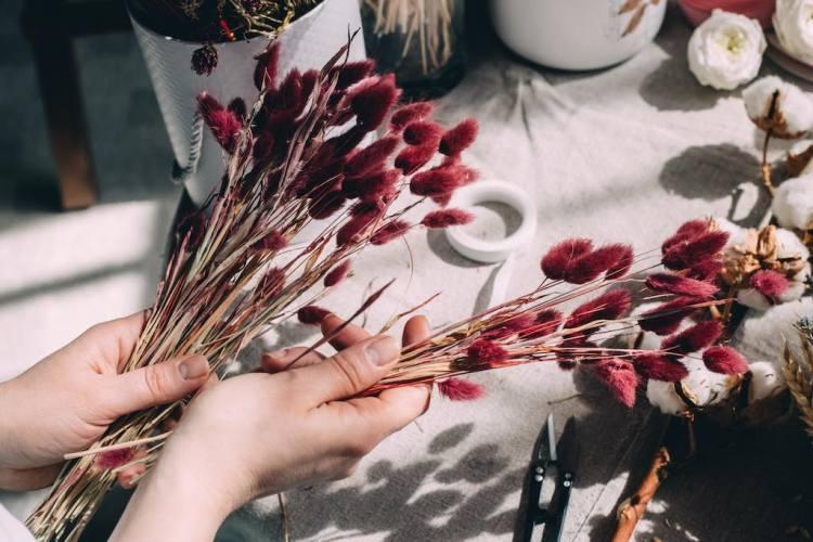 crear ramos de flores secas