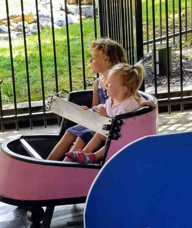 A Day at Dutch Wonderland Amusement Park