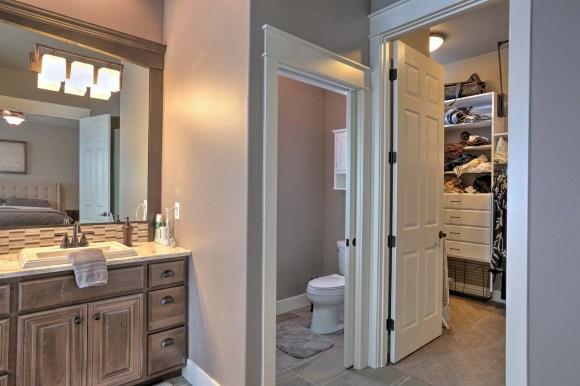 Mstr Toilet Closet Resized