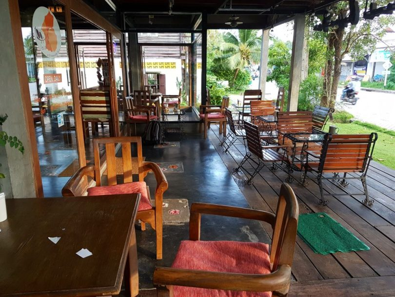 Hundred Islands Coffee Bar cafe has the best patio in Koh Phangan