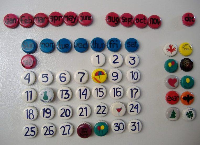 kalender dari tutup botol, kerajinan dari tutup botol