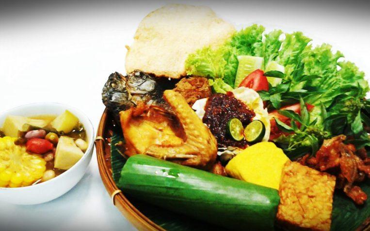 Nasi Timbel Makanan Khas Sunda Asli
