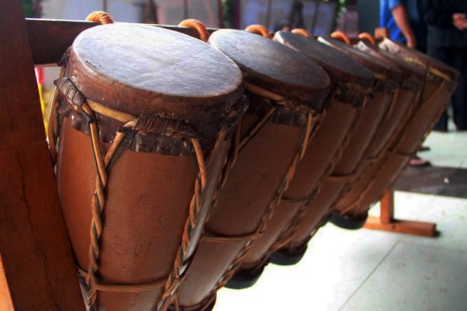 contoh alat musik tradisioanl